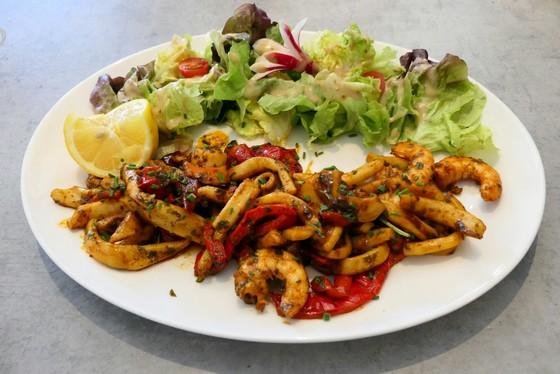 restaurant-marseille-13009-le-gepetto-italien-pizzeria-poissons-assiette-de-la-mer